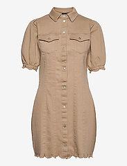 Vero Moda - VMAVIIS 2/4 PUFF SHORT DRESS - sommarklänningar - nomad - 0