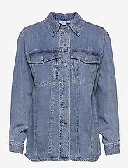 Vero Moda - VMEMERY LS OVERSIZE DENIM SHIRT VMA - kläder - light blue denim - 0