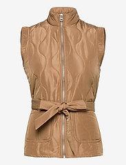 Vero Moda - VMEMMA  S/L SHORT  QUILTED VEST FM - puffer vests - tobacco brown - 0