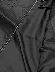 Vero Moda - VMKHLOE  FAVO COATED JACKET - skinnjackor - black - 4