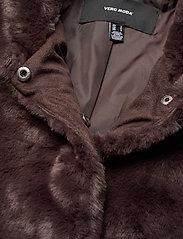 Vero Moda - VMTHEA SHORT FAUX FUR JACKET COL - faux fur - chocolate plum - 2