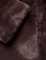 Vero Moda - VMTHEA SHORT FAUX FUR JACKET COL - fuskpäls - chocolate plum - 3