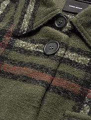 Vero Moda - VMCHRISSIE LONG CHECK SHIRT GA - overshirts - black forest - 2