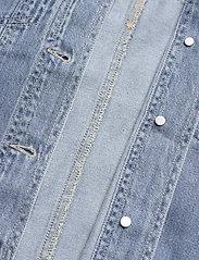 Vero Moda - VMEMERY LS OVERSIZE DENIM SHIRT VMA - kläder - light blue denim - 4