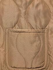 Vero Moda - VMEMMA  S/L SHORT  QUILTED VEST FM - puffer vests - tobacco brown - 3