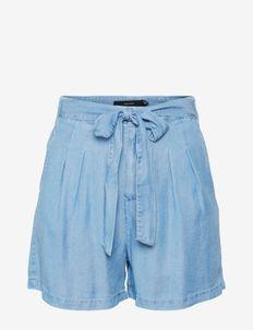 VMMIA HR LOOSE SUMMER SHORTS GA - jeansshorts - light blue denim