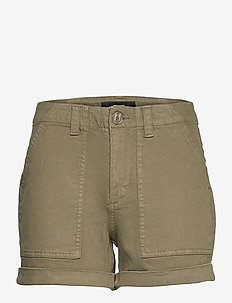 VMBARB MR UTILITY SHORTS GA COLOR - jeansshorts - ivy green