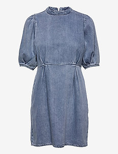 VMBERTA 2/4 SHORT DENIM DRESS VMA - sommarklänningar - light blue denim