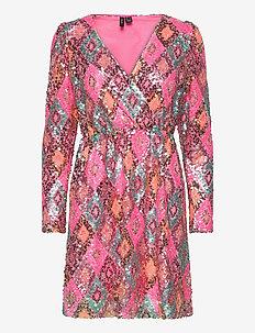 VMDIVA SEQUINS L/S SHORT DRESS EXP - krótkie sukienki - hot pink