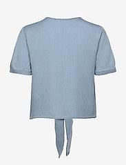 Vila - VIMIRA BISTA S/S SHIRT/SU - kortærmede bluser - light blue denim - 1