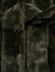Vila - VIBODA NEW FAUX FUR COAT/PB/SU - faux fur - forest night - 3