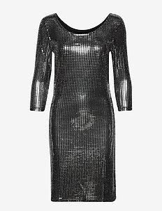 VIBEYLA 3/4 DRESS/TB - BLACK