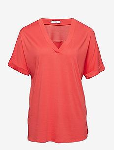 V-neck t-shirt - BRIGHT RED