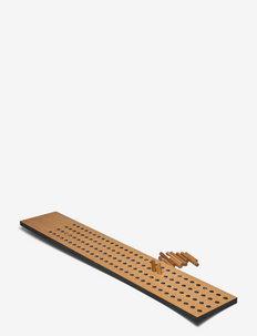 Scoreboard Large, Vertical - knager & knagerækker - fsc oak veneer, dots with upcycled plastic