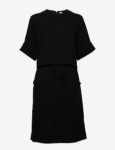 CYRILLE - korte kjoler - black