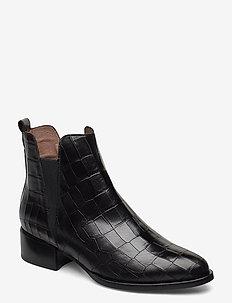 D-8707 - ankelstøvler med hæl - black