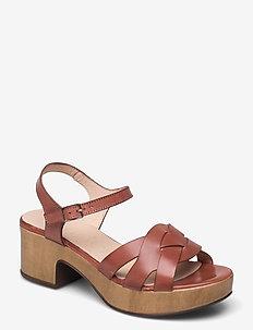D-8811-P PERGAMENA - sandalen mit absatz - brown