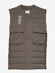 Wood Wood - Kelvin light padded vest - vester - moss - 1
