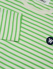 Wood Wood - Moa stripe long sleeve - langærmede toppe - off-white/green stripes - 2