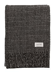 Kara scarf