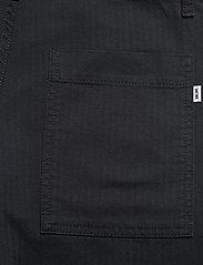 Wood Wood - Halvard trousers - cargobukser - black - 4