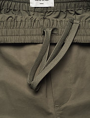 Wood Wood - Halsey tech trousers - cargobukser - dusty green - 2