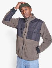 Woodbird - Strukt Zip Fleece - fleece - army green - 0