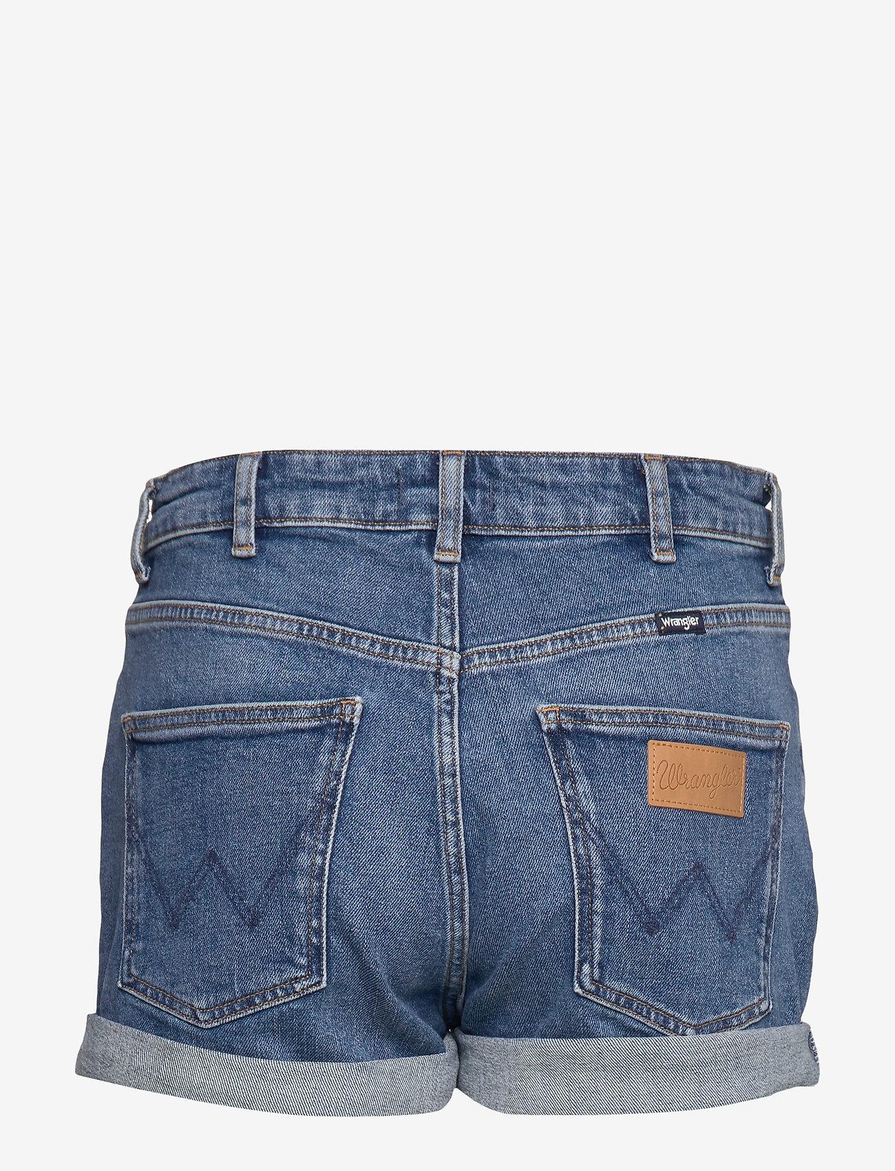 Wrangler - BOYFRIEND SHORT - denim shorts - mid blue - 1
