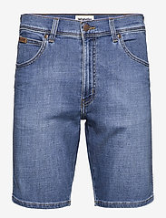 Wrangler - TEXAS SHORTS - denim shorts - lite blue - 0