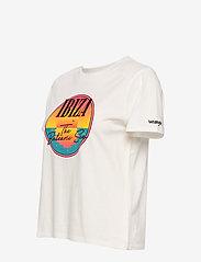 Wrangler - HIGH RIB REGULAR TEE - printed t-shirts - off white - 2