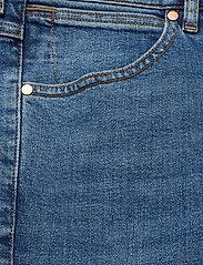 Wrangler - LARSTON - slim jeans - blue fire - 2