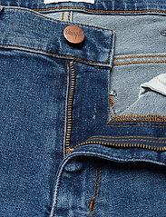 Wrangler - LARSTON - slim jeans - blue fire - 3