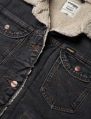 Wrangler - 124WJ SHERPA - jeansjackor - black 2 years - 2