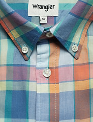 Wrangler - SS 1 PKT BUTTON DOWN - checkered shirts - tangerine - 2