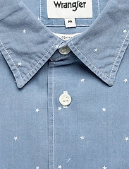 Wrangler - SS 1 PKT SHIRT - short-sleeved shirts - cerulean blue - 2