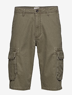 CARGO SHORT - DUSTY OLIVE