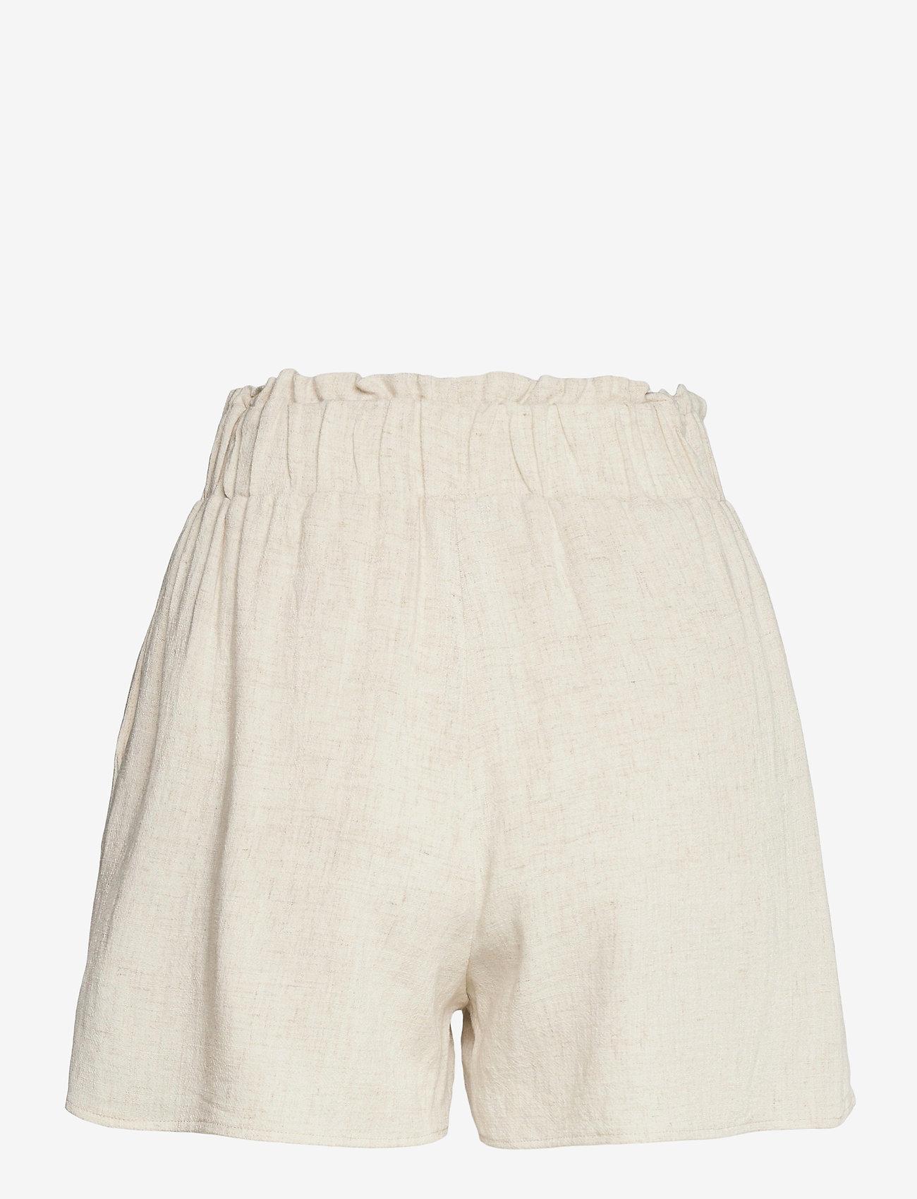 YAS - YASVIGGI HW SHORTS - shorts casual - eggnog - 1