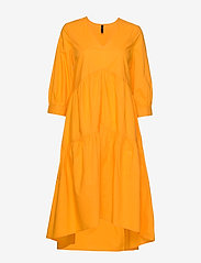 YAS - YASRADHIKA 3/4 MIDI DRESS S. - do kolan & midi sukienki - cadmium yellow - 0