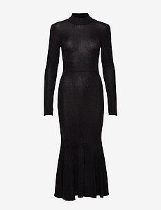 YASBYRA LS DRESS BOOZT D2D - BLACK