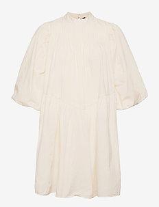 YASSALISA 3/4 DRESS S. - sommarklänningar - eggnog