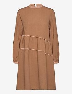 YASPAMMI LS DRESS - korte kjoler - tannin