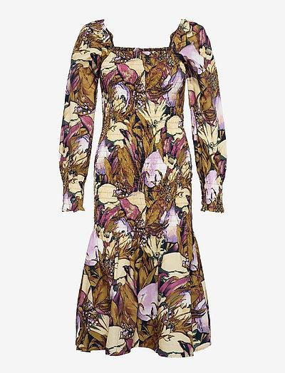 YASABELIA LS SMOCK MIDI DRESS CA - summer dresses - butternut
