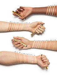 Yves Saint Laurent - Touche Éclat - concealer - 2 luminous ivory - 3