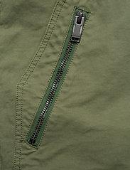 Zadig & Voltaire - PIERS MILI DYE SHORTS - cargo shorts - thym - 2
