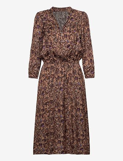 ROWDY SATIN THORN ROBE - midi kjoler - mult