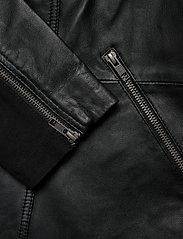 Zizzi - Leather Jacket Plus Size Pockets Zip Close-Fitting - skinnjackor - black - 6
